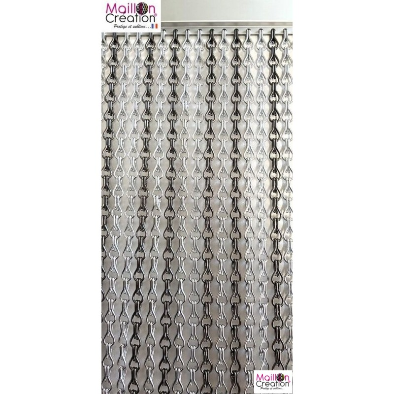 silver and gray aluminum chain curtain
