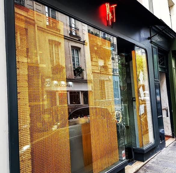 Rideau séparateur du Mr.T restaurant à Paris